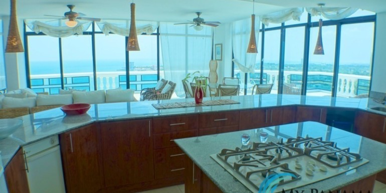 oceanfront penthouse 17