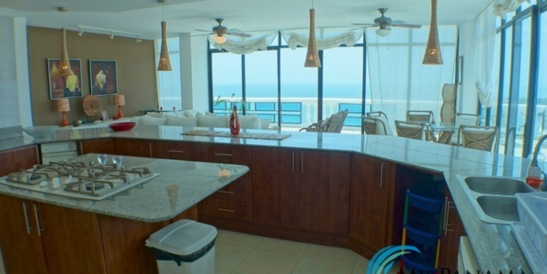 oceanfront penthouse 18