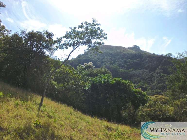 Marvelous Mountain Lot with Oceans Views located in Altos Del Maria, Panama