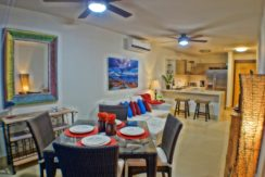 Vacation Lifestyle Awaits! Best Price on the Beach!